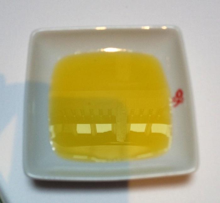 ¡Me encanta que sirvan aceite en vez de mantequilla! Más sano y más nuestro.