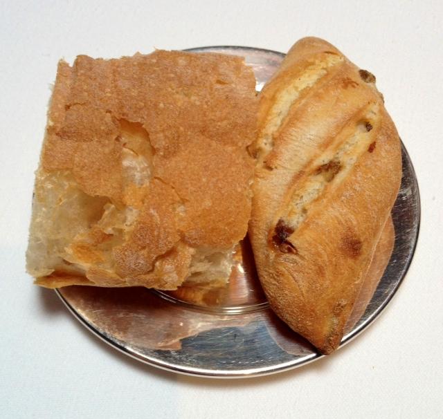Pan de cristal y de pasas.
