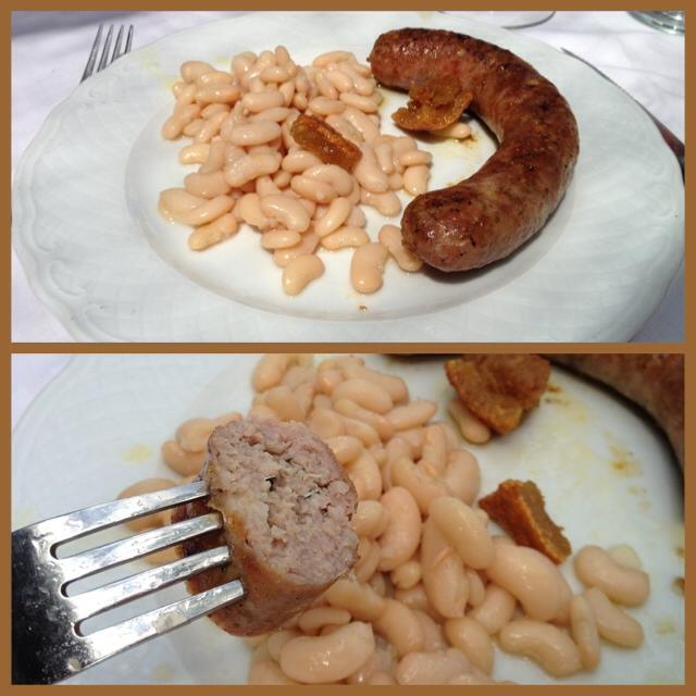 Butifarra con judías. Sausage and beans. Wurst und Bohnen.