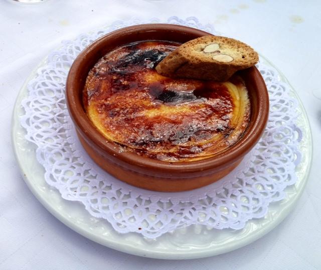 Crema catalana. Deliciosa. Catalan cream. Delicious. Katalanische Creme. Lecker.