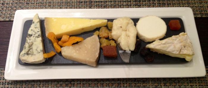 Tabla de quesos, variada, intensa y española. ¿Qué más se puede pedir?
