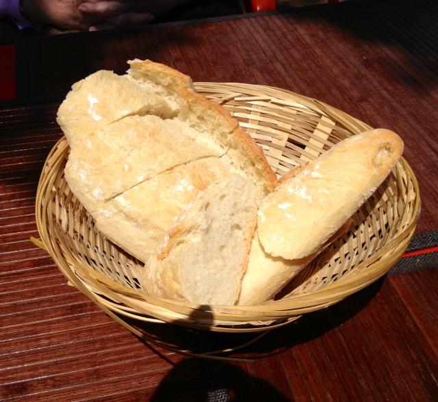 Pan. Muy bueno.