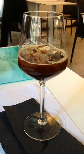 Café con hielo. Iced coffee. Eiskaffee.