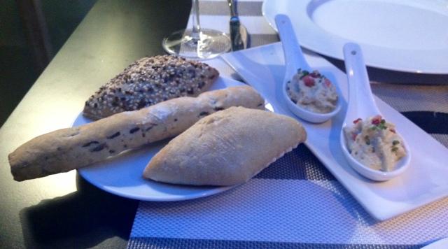 Pan y mousse de foie. Bread and foie mousse. Brot und Foie Mousse.