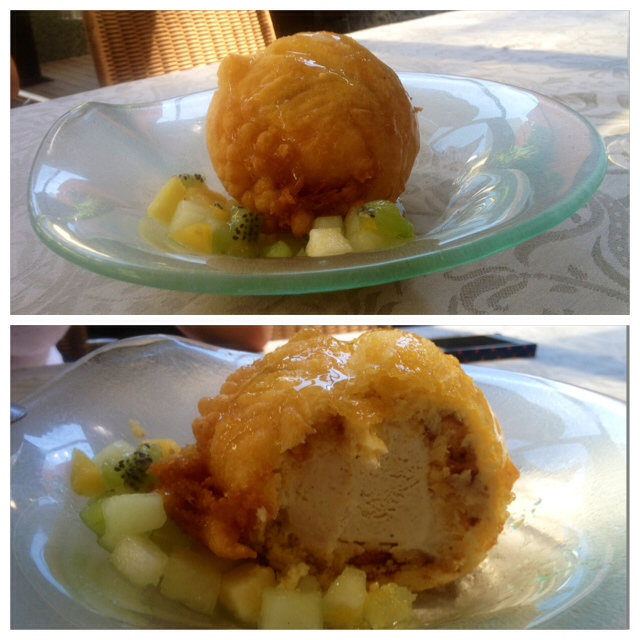 Helado frito. Fried ice cream. Fritierte Eis.