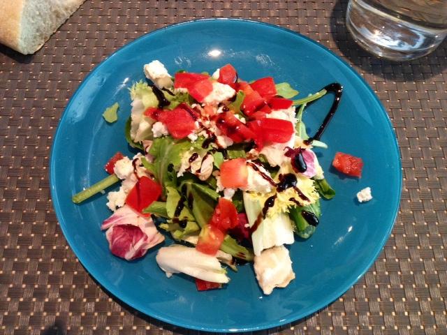 Ensalada de queso de cabra. Goat cheese salad. Ziegenkäse Salat.