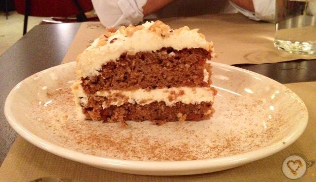 Tarta de zanahoria (4,5€). Carrot cake. Karottenkuchen.