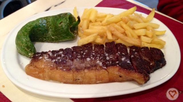 Entrecot de buey gallego (18€). Galician Beef Sirloin. Galizischen Rinderfilet.