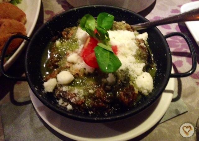 Berenjena a la parmesana (10€). Parmesan eggplant. Aubergine Parmesan.