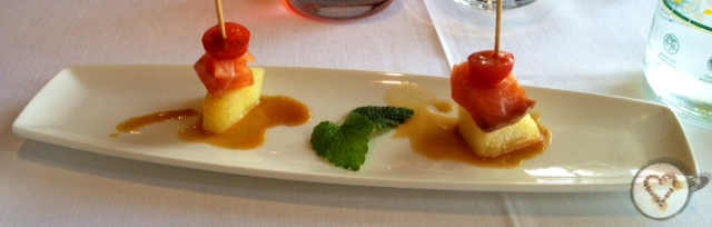 Dados de melón con salmón. Regalo de la casa. Melon with salmon. Gift of the house. Melone mit Lachs. Geschenk des Hauses.