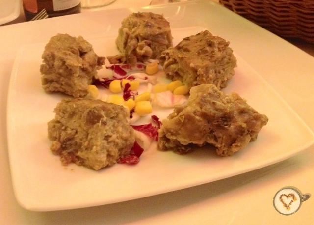 Aperitivo: pastel de berenjenas. Appetizer: aubergine pie. Vorspeise: Auberginen-Kuchen.