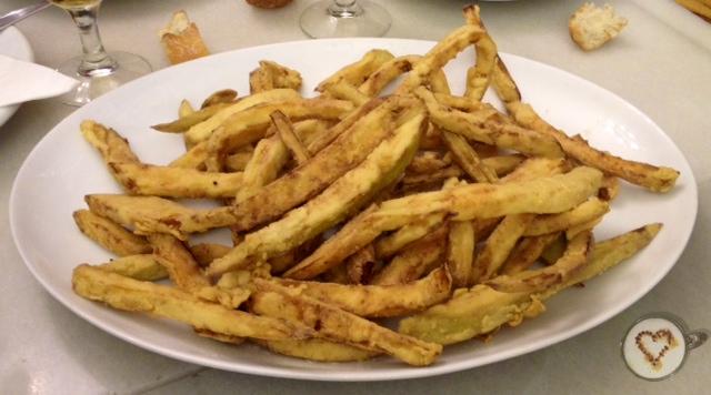 Berenjenas fritas. Fried eggplants. Gebratene Auberginen.