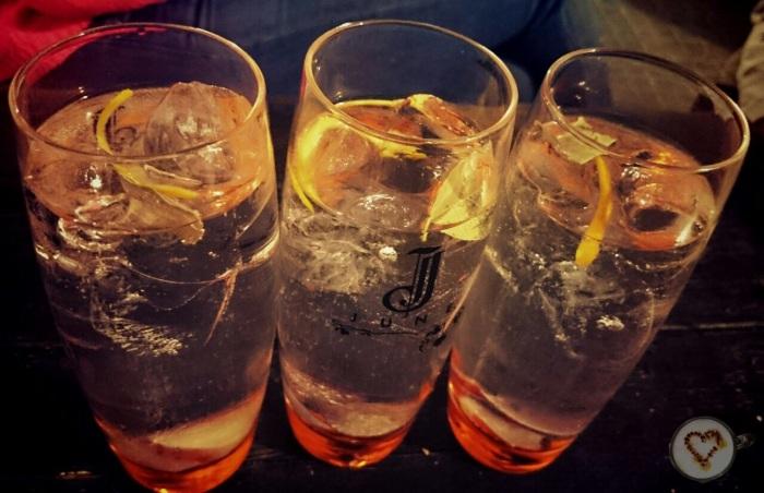 Fantásticos gin tonics.