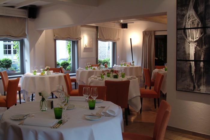 Restaurante (Fuente).
