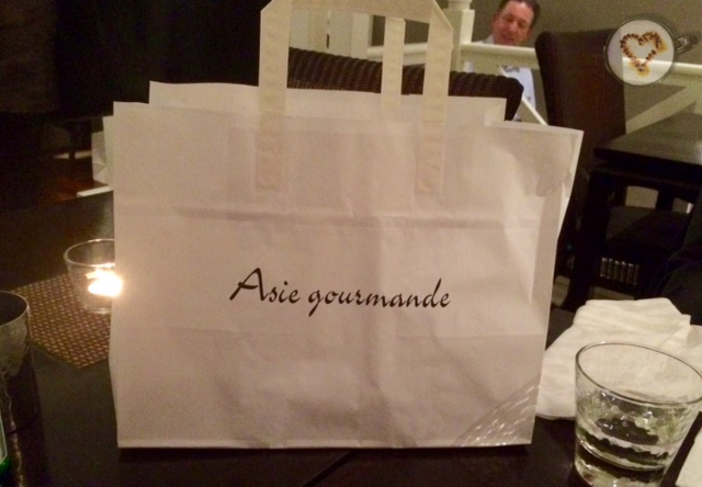 Bolsa con la comida que nos sobró para llevar a casa. Estupendamente preparada.